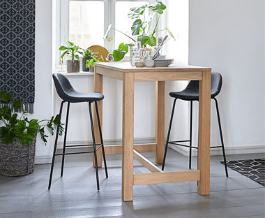bar-tables-stools-1